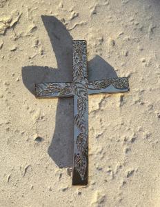 Croix feuilles doré