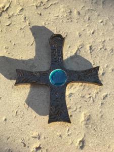 Croix verre bleu