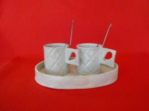 Set de tasses et leur plateau